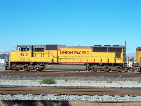 Union_Pacific-Diesel_Locomotive_4218.jpg
