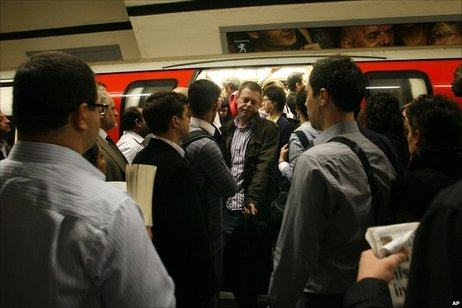 Congestion-on-the-london-underground.jpg