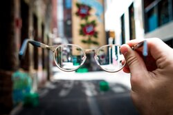 Eyeglass Tracking System